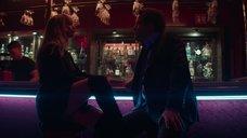 3. Соблазнительная Дженнифер Лоуренс в баре – Красный воробей