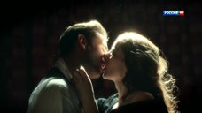 Жаркие поцелуи Марины Александровой