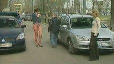 2. Анна Антонова в стрингах на улице – Женская лига