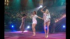 Группа  «ВИА Гра» выступает в эротических нарядах