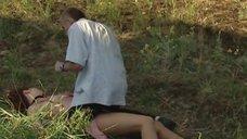 Елену Ксенофонтову насильно вытаскивают из машины