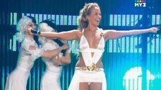 Жанна Фриске в откровенном наряде на Муз-ТВ