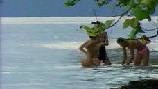 4. Жанна Фриске купается голой в шоу «Последний герой 4. Конец игры»