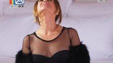 4. Соблазнительная Жанна Фриске на съёмках клипа «Ты рядом»