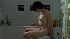 Анн Косенс подмывается после секса
