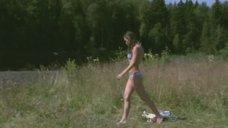 Анна Попова в купальнике