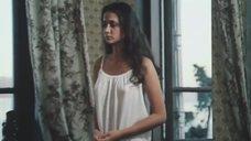 Упругая грудь Ольги Кабо просвечивается сквозь одежду