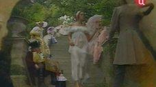 Эротичная Ольга Кабо в прозрачном платье
