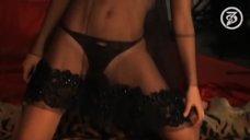 Сексуальная Анна Снаткина в фотосессии