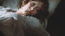 Лариса Удовиченко в постели