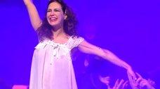 Екатерина Климова в прозрачном платье в спектакле «Мастер и Маргарита»