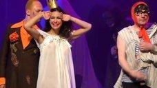 4. Екатерина Климова в прозрачном платье в спектакле «Мастер и Маргарита»