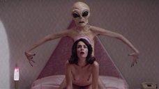 Секс Сары Риверо с инопланетянином