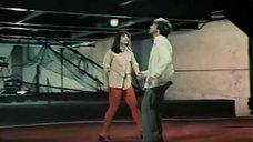 1. Ноги Натальи Варлей в красных колготках – Соло для слона с оркестром