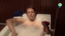 Ольга Ломоносова в пенной ванне