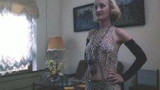 Елена Рудь в откровенном наряде