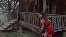 Связанная Анна Самохина в красном платье