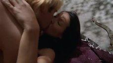 4. Секс с Люси Лью возле змей – Мухоловка