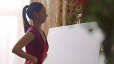 1. Диана Пожарская рисует грудью картину – Отель Элеон