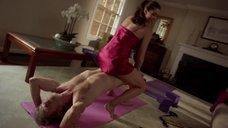 Секс с Эшли Вуд в причудливой позе