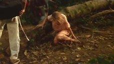 1. Сьюзэн Хан засветила трусики – Резня в долине динозавров