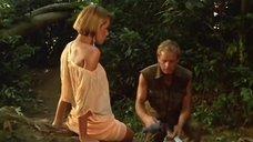 2. Сьюзэн Хан засветила трусики – Резня в долине динозавров