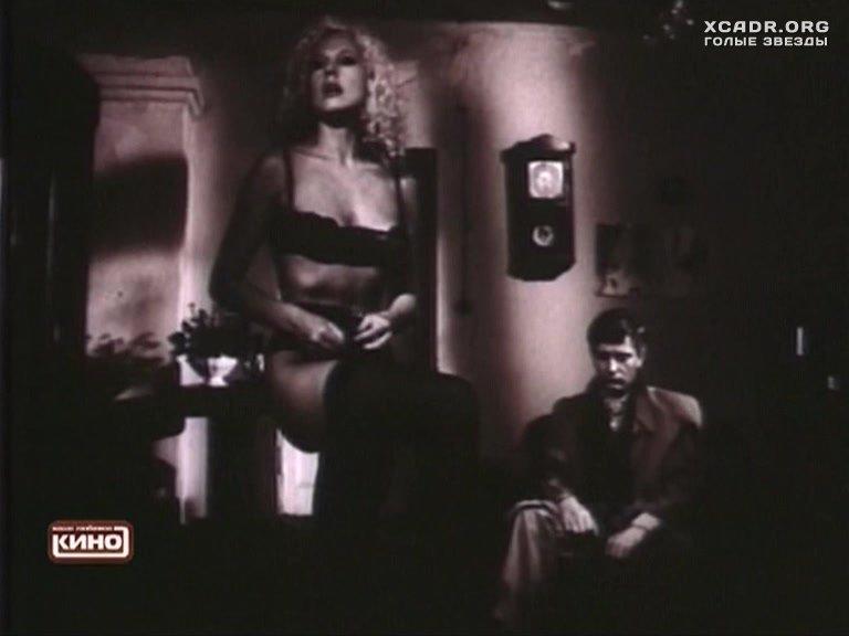 Эротическая Сцена С Еленой Кондулайнен – Человек К (1992)