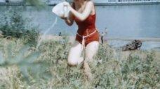Елена Проклова в мокром закрытом купальнике