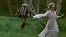 У Татьяны Васильевой трясутся сиськи во время бега