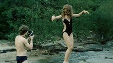Марина Левтова в мокром купальнике