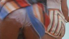 8. Серена Гранди светит трусиками – Миранда