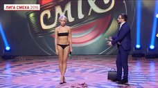Сексуальная Ирина Твердохлеб в белье в «Лиге смеха»