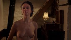2. Секс сцена с Лили Джеймс – Исключение