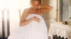 Наталья Андрейченко засветила голую грудь