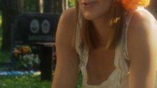 Анна Уколова засветила грудь