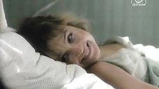 Секси Ирина Климова в ночнушке