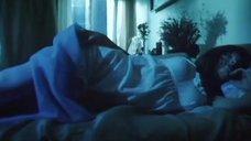 Елена Полякова  в ночнушке