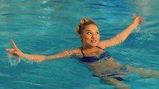 Секси Ксения Теплова в купальнике
