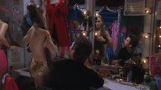 Алисса Милано надевает леопардовый лифчик