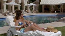 Кэтрин Зета-Джонс в купальнике