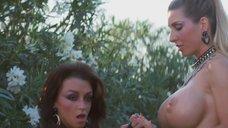 2. Лесбийская сцена с Саммер Каммингс и Скай Блю – Ночи в стиле буги