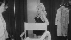 1. Грудь Мадонны – В постели с Мадонной