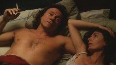 Нэнси Феррара в постели