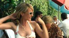 Хелен Хант в купальнике