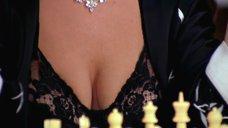 Эротичная игра в шахматы с Кристен Джонстон