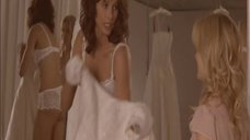 Бриджет Мойнэхэн в белом белье