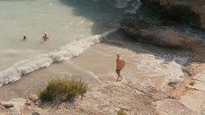 Мена Сувари и Катерина Мурино купаются голыми