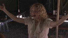 Кейт Хадсон без лифчика