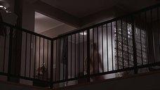 2. Обнаженная Хелен Хант идет в душ – Доктор «Т» и его женщины