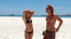 Кейт Хадсон на пляже